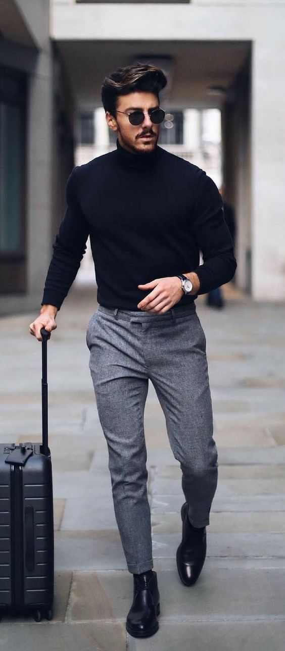 Turtleneck sweaters definitely belong to the standard repertoire of the well-gro...