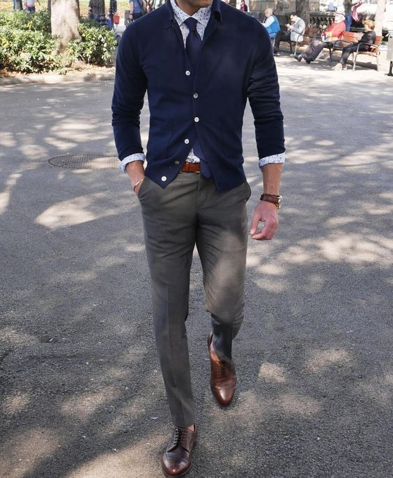 5 Business Casual Outfit Ideas for Working Men Find out how to pull of this vagu...
