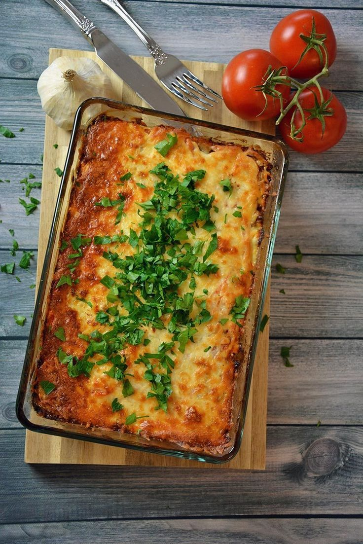 A simple recipe for potato casserole with minced meat and cheese in the oven ...