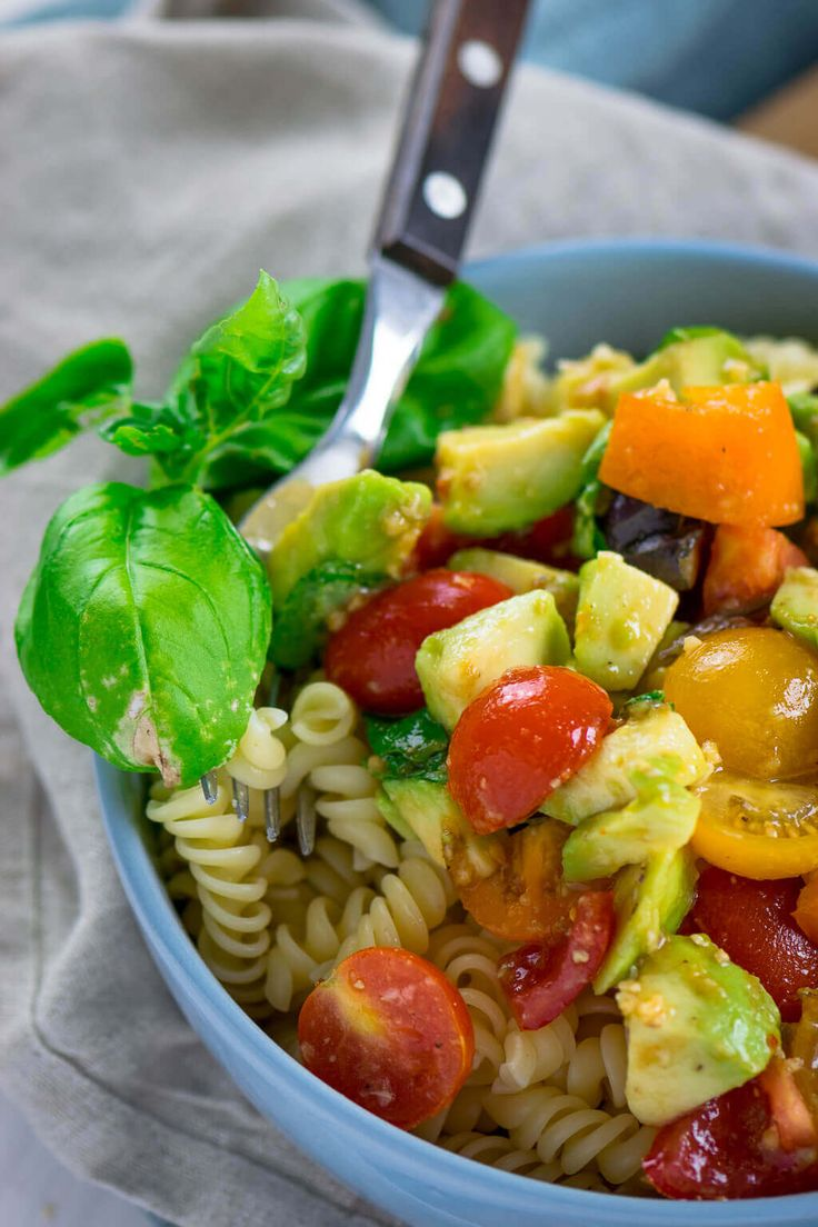 Healthy and full of important unsaturated fatty acids - AVOCADO TOMATO PASTA ...