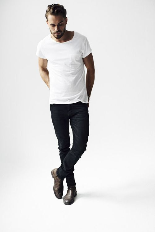 Buy the look: lookastic.de / ... - White T-shirt with round neck ...