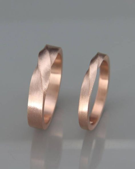 Rose Gold Mobius Wedding Band set | His and Hers Mobius Ring Set made of 14k Ros...