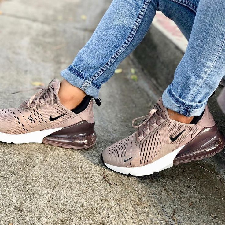 A really nice summer sneaker for women! You can see the Nike Air Max 270 g ...