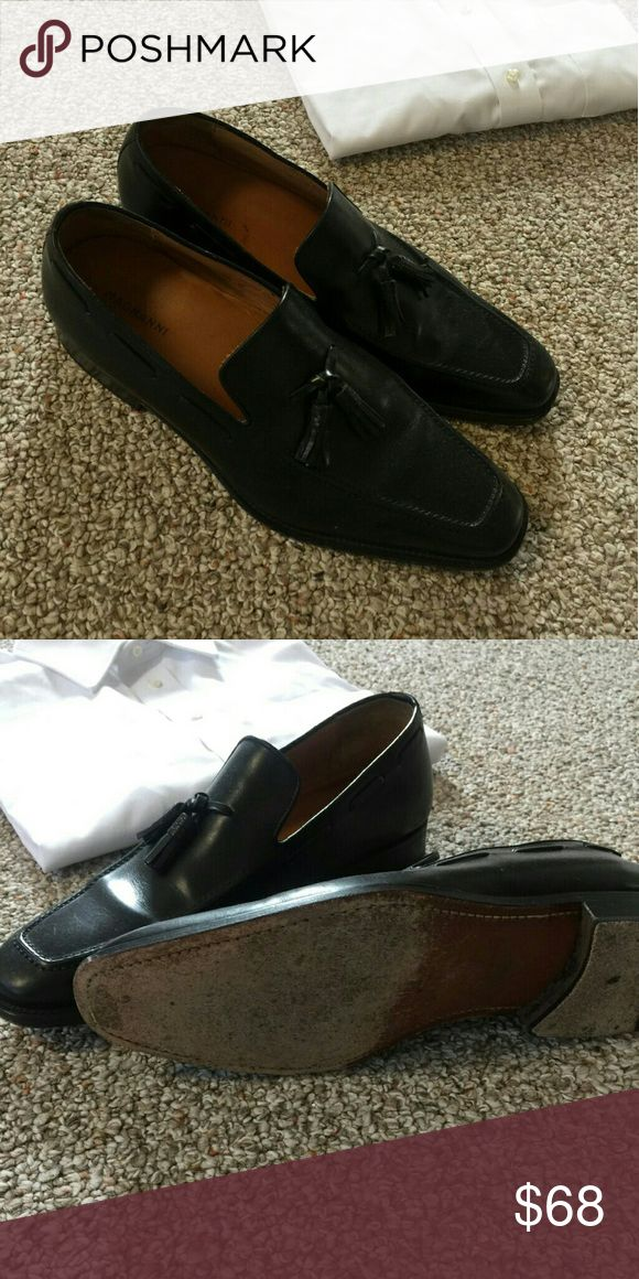 Men's luxury shoes Black tassel leather slip on shoes Worn. In good conditio...