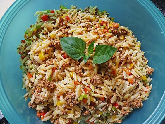 Kritharaki - Salad with minced meat, a great recipe from the Pasta & ...