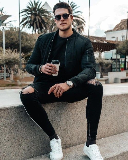 Comfy Men Outfit Ideas With White Sneaker10