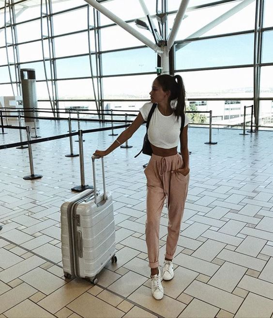 60+ Airport Fashion Travel Outfits Ideas 15