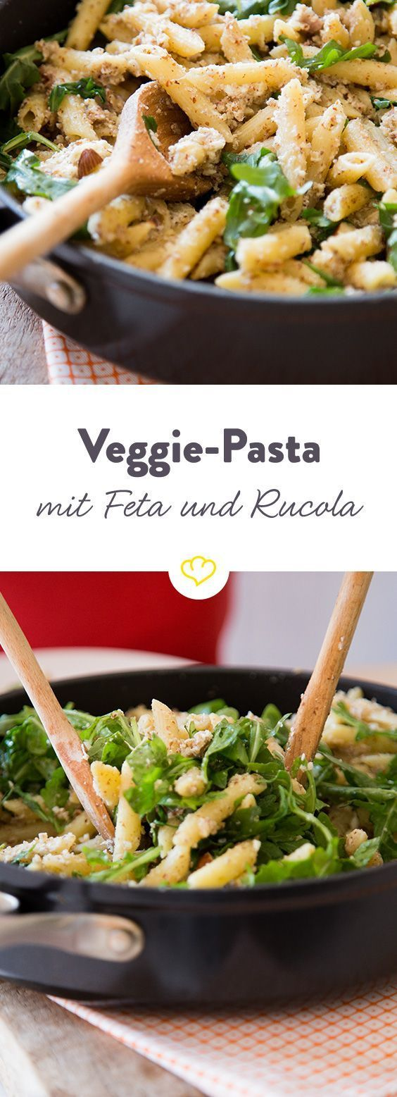 Fixed and meat-free: almond pasta with feta and arugula