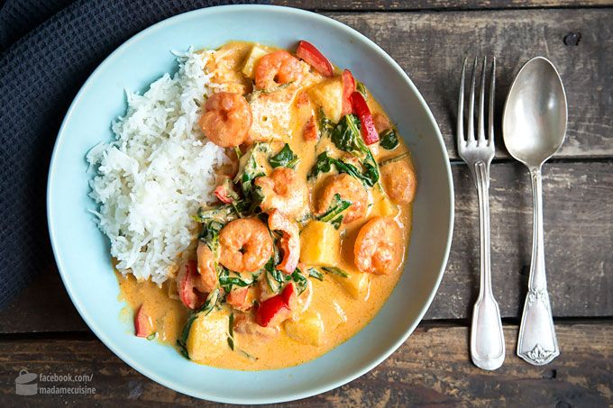 Shrimp curry with coconut milk and spinach - madame cuisine