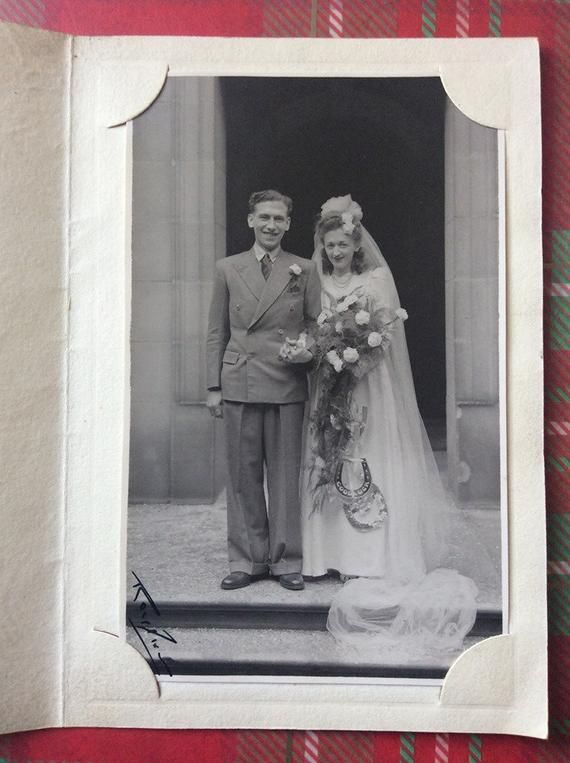 1940s Wedding Photo - Happy Couple Photo  - Vintage Prop - Sweethearts - Bride - Groom - Rose Bouquet - Long Veil - Wedding Fashion